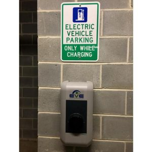 keba_charger_with_parking_sign_2