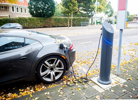 10 Reasons to Own an Electric Car