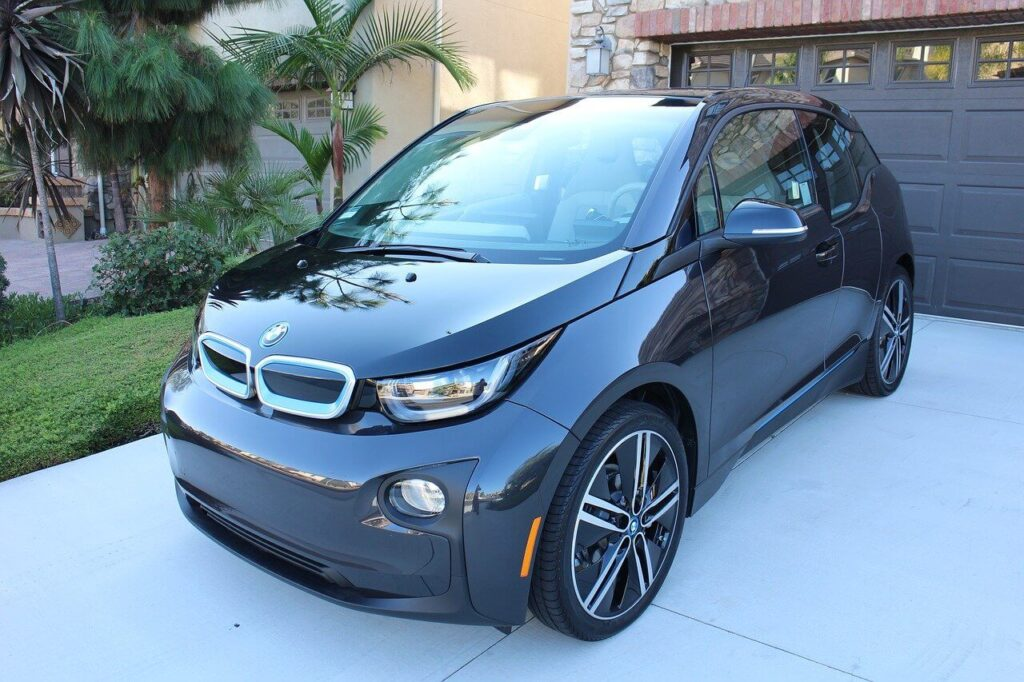 New & Updated 2021 BMW i3