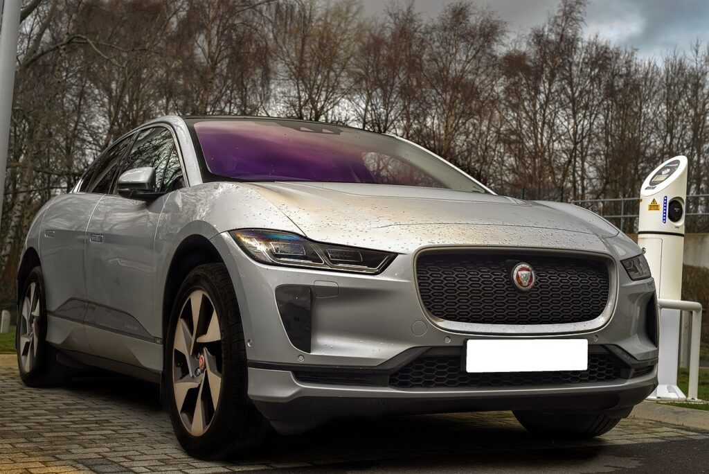 A Quick Look at the Innovative Electric Jaguar I-Pace SUV