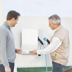 Schneider EV Link Smart Wallbox   22 kW