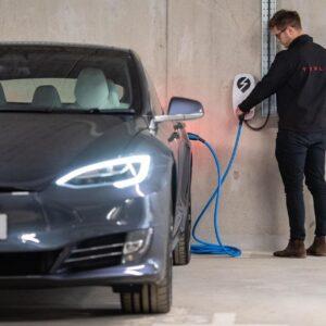 EO Universal EV Charging Station | 22 kW | Tesla Fast Charger